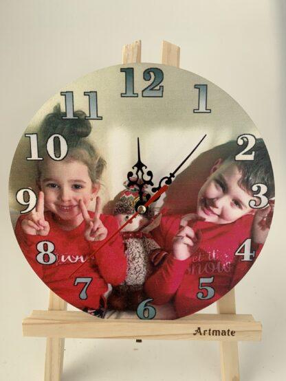 Ceas de lemn personalizat